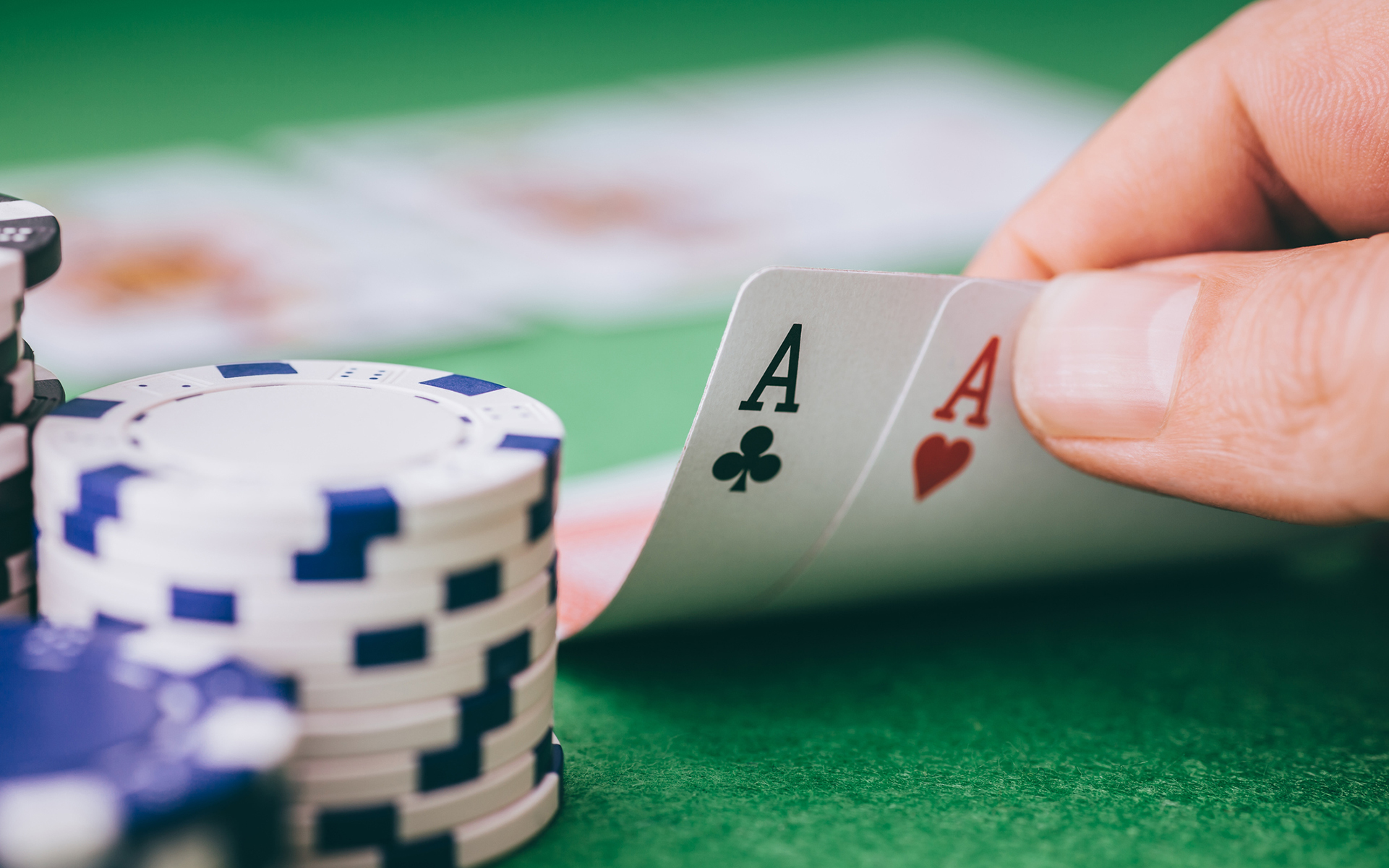 Casino Games to Play at Land-Based Casinos
